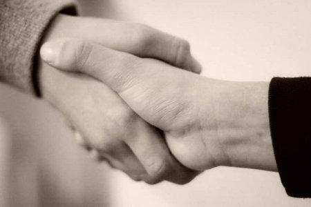 handshake-recruiting-sepia1
